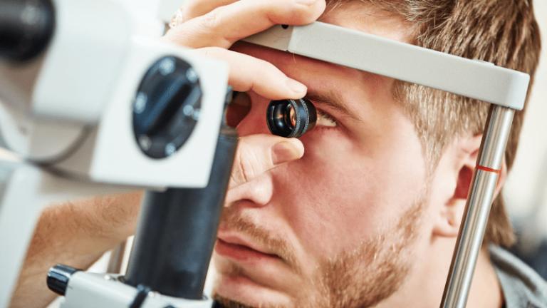 Jaskra to choroba, którąleczy się w centrum okulistycznym.